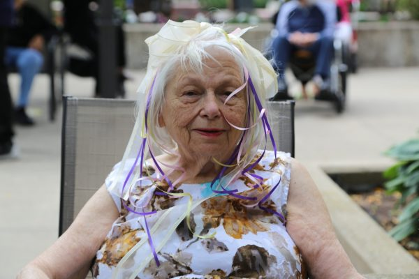 image 8 from hat parade - close up of lady with hair accessory